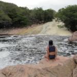 Como é a Cachoeira Ribeirão do Meio, em Lençóis, na Chapada Diamantina