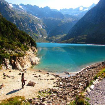 Funicular Gelmerbahn na Suíça leva ao encantador lago Gelmersee