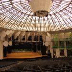 Conheça a Ópera de Arame, no Parque das Pedreiras, em Curitiba