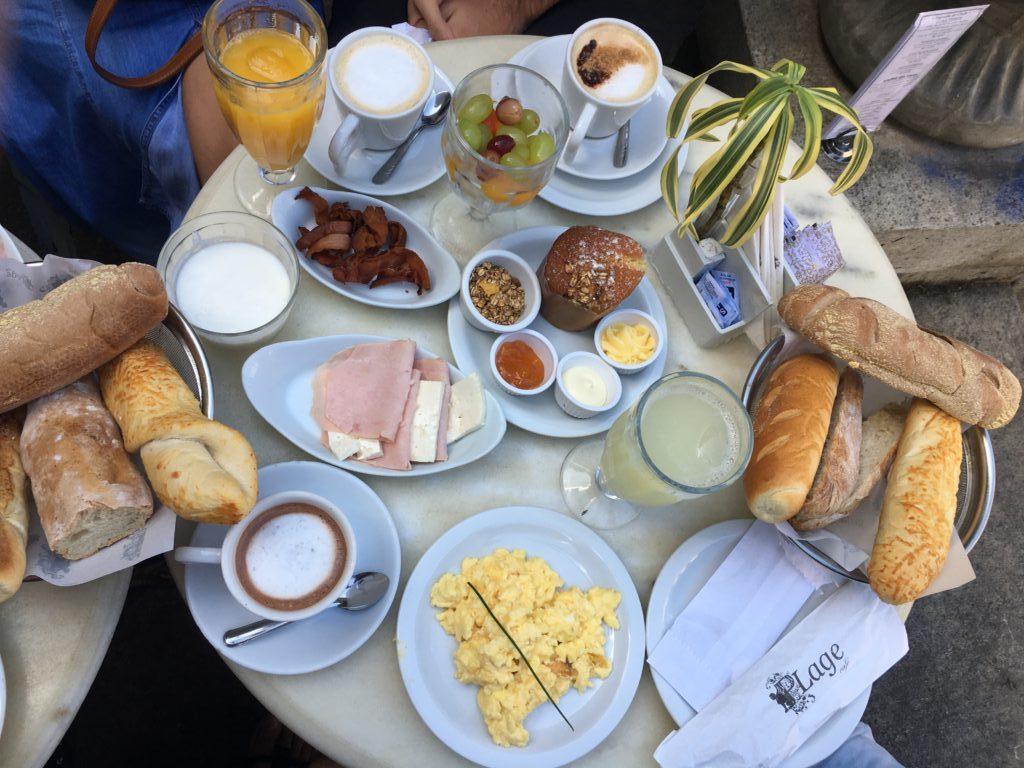 Café da manhã no Parque Lage