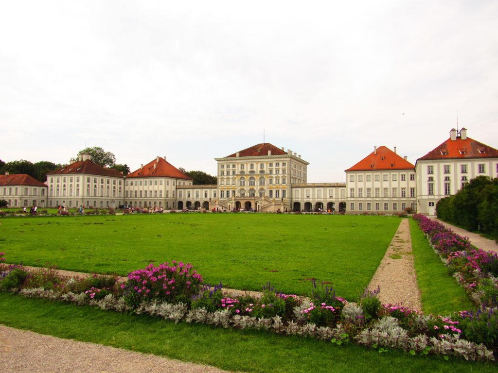 Palácio em Munique: entrada do Nymphenburg