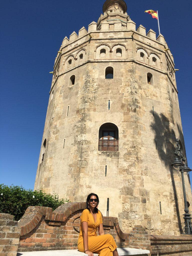 Fachada da Torre del Oro, em Sevilha
