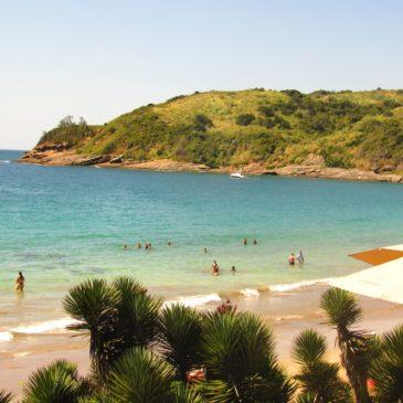 A Praia Brava em Búzios e seus beach clubs badalados